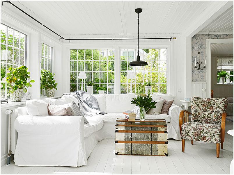 White Modern Farmhouse Living Room Design