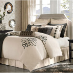 Luxury Comforter Sets Collection Design 150x150 Choosing The Luxury Comforter Sets