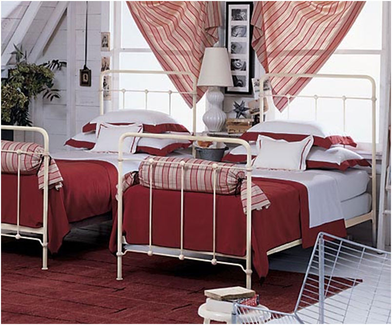 Antique White Twin Iron Beds Frame