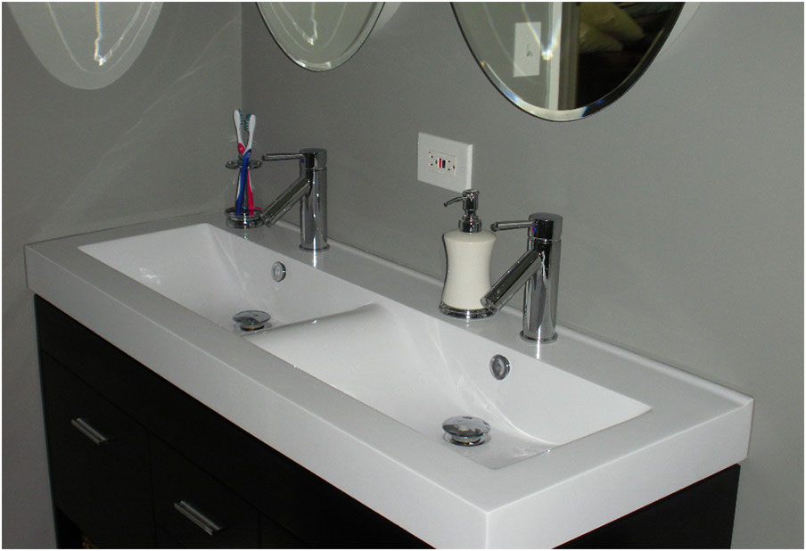 Beautiful Small Trough Vintage Sink With Chrome Metris