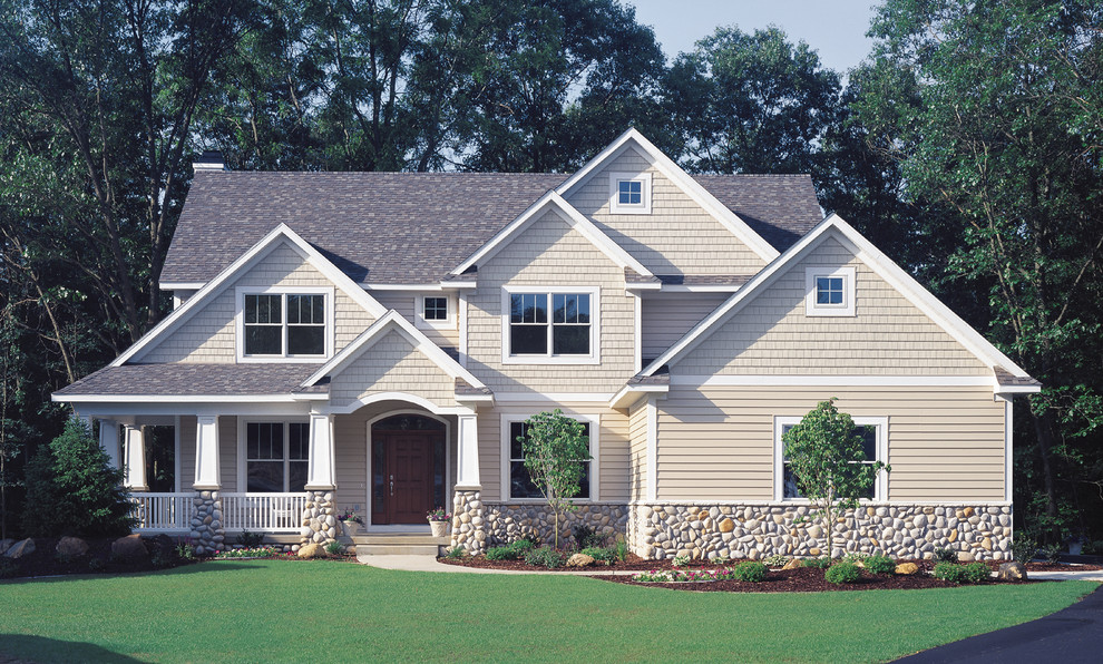 Craftsman built with Vinyl Siding Institute