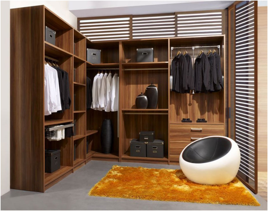 Natural Wood Walk-In Wardrobes Closet Design