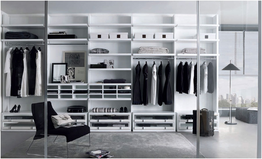 Walk-In Wardrobes Closet with Sliding Glass Door