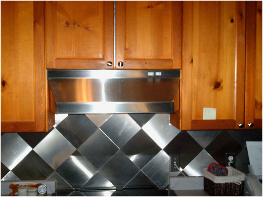 Artistic Tile Stainless Steel Backsplash Design