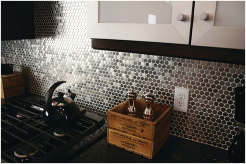 Stainless Steel Circles Backsplash Design