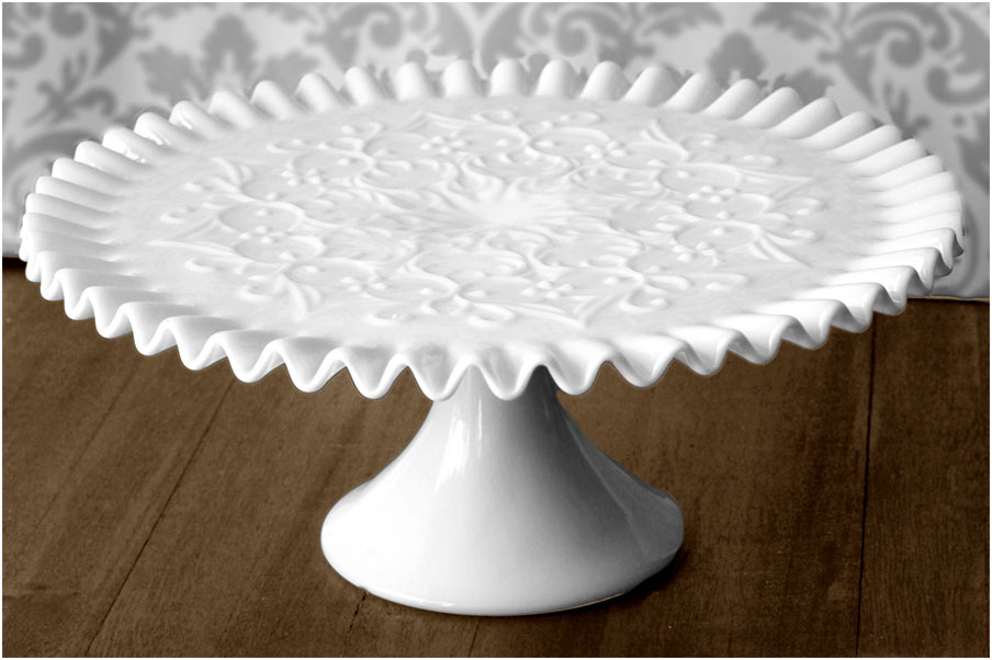 Wonderful Vintage Cake Stands Ideas